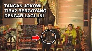 Tangan Pak Jokowi Bergoyang Saat Dengar Lagu Maumere