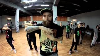 Buck Motion Russian Krump School | J Slam & 88 Stones
