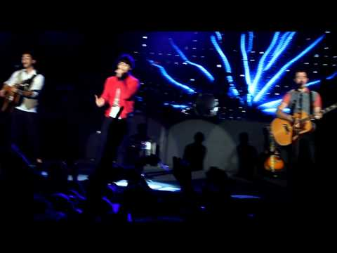 Xxx Mp4 When You Look Me In The Eyes Jonas Brothers At Fort Canning Park In Singapore 22 10 12 3gp Sex