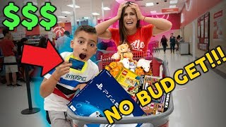 8 Year Old Takes Parents Credit Card **NO BUDGET AT MALL** | The Royalty Family