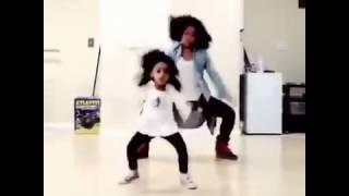 Niña de 5 año baila como beyonce