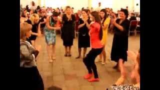Azerbaijan Baki qizin super reqsi - Свадьба в Баку, девушка отлично танцует