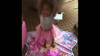 Kiara cheering warm up dancerella