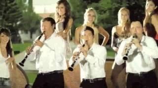 La Adictiva Banda San Jose de Mesillas - Mueveme el Pollo [Video Oficial][HD]