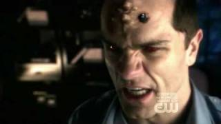 """Smallville - 8x15: """"Infamous"""" [Chloe runing from Doomsday]"""