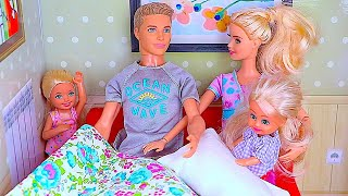 Barbie doll morning routine for Sports Day w/  baby dolls Chelsea & Annabel in dollhouse & pink car