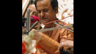 Pandit Manas Chakraborty , Raag - Gunkeli with Pandit Swapan Chawdhuri on Tabla !