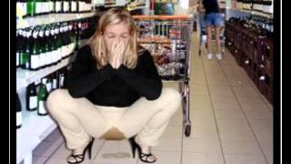 OMG! lady is peeing in Mall