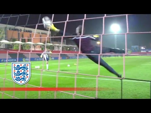 Handling drills with England's goalkeepers (Extended)   Inside Training