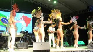 Brazilian MOMO KINGS performs at opening of 6th Carnaval International de Victoria