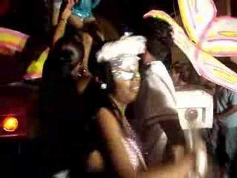 Las Jarochas Bailando en el Carnaval Calipam.