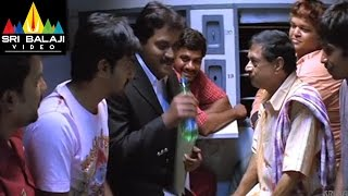 Godava Movie Sunil and Vaibhav Comedy in Train | Vaibhav, Shraddha Arya | Sri Balaji Video