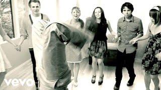 N.E.R.D. - Hot-n-Fun (Dance Video) (Live In Brooklyn)