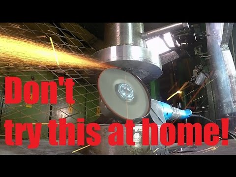 Crushing power tools with hydraulic press
