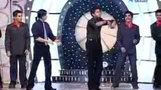 Shreesant dancing with shahrukh khan