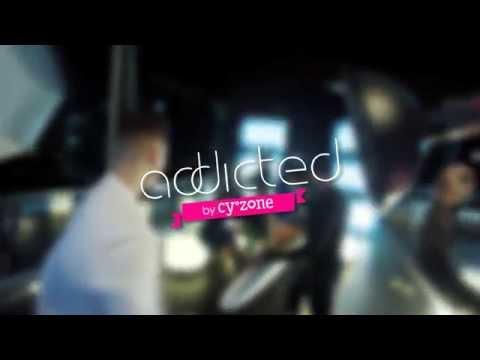 Addicted - Maluma está un poco distraído!