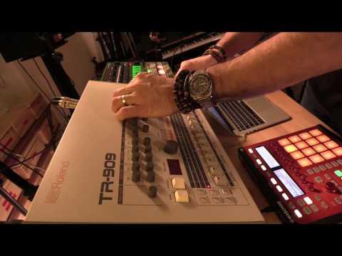 Roland TR-909 vs TR-8: The Ultimate Battle