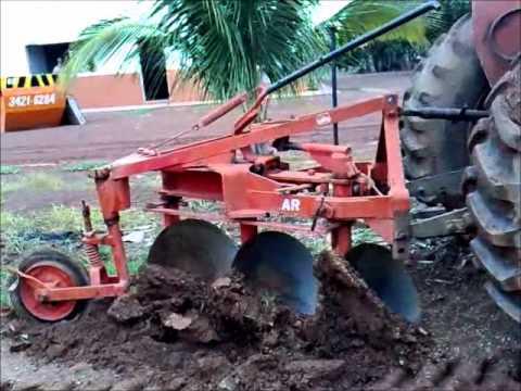 Acoplagem de Arado alunos de Agronomia Anhanguera