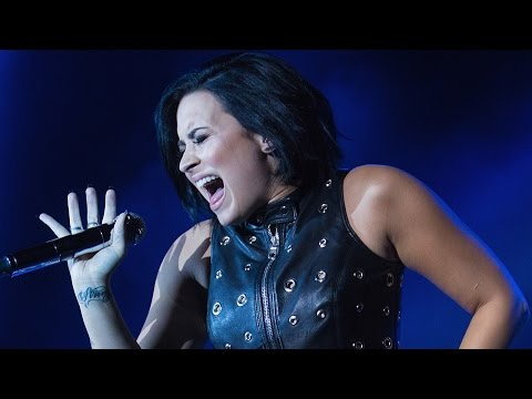 Demi Lovato Covers Adele's 'Hello' & Blows Us Away!