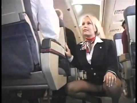 Видео голых стюрдес в раздевалке фото 691-634