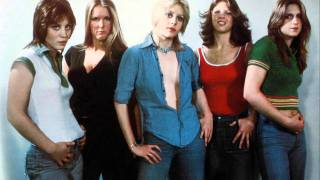 The Runaways - Dead End Justice ( LIVE ) NYC 1976