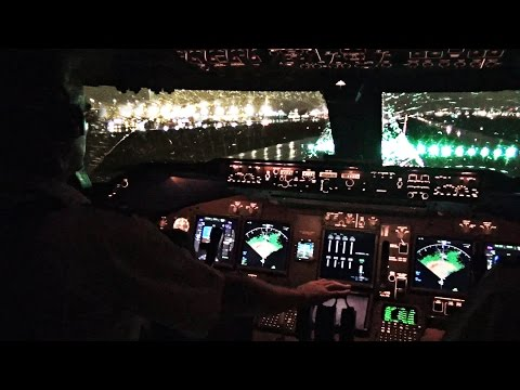 Boeing 747-400 Miami Take-off in Heavy Rain - Cockpit View