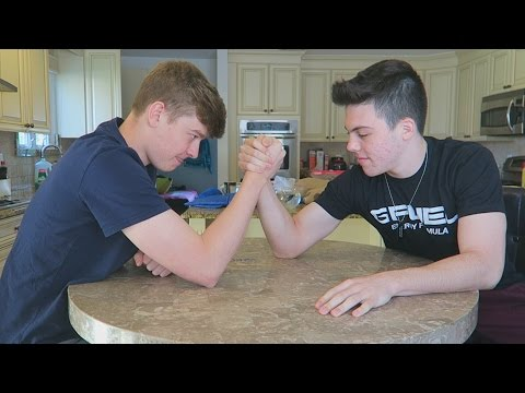 ARM WRESTLING FAZE ADAPT