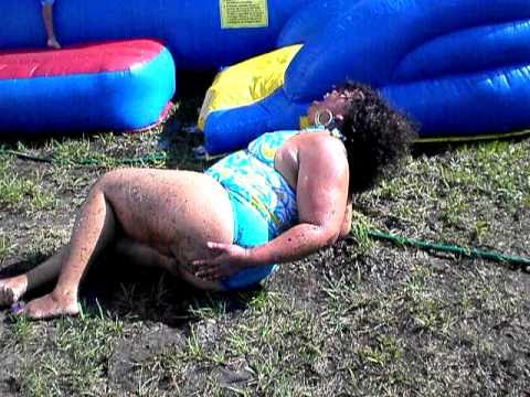 MOM FALLS OFF WATERSLIDE