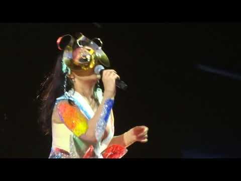 Björk - Blissing Me - Live In Vincennes 2018