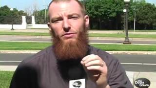 Former US Navy serviceman converts to ISLAM