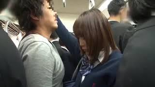 Gadis Cantik Jepang Di Kendaraan