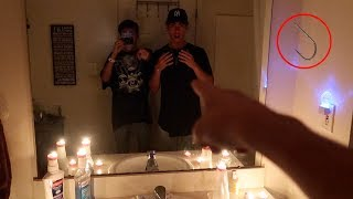 CREEPY CANDYMAN CHALLENGE AT 3 AM! (DONT TRY THIS)