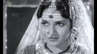 Kannada Old Songs | Thanukaragadavaralli Pushpava Best Song | Kitturu Chennamma movie | P Susheela