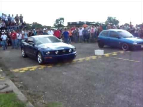 Pique Mustang vs Corsa