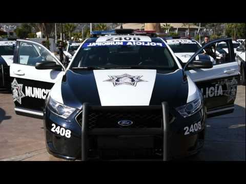 Presidente municipal entrega 32 patrullas a la Dirección de seguridad Pública Municipal.