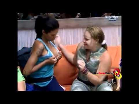 BBB 11 Paula beija os Seios de Ariadna 13 01 2011