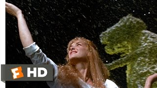 Edward Scissorhands (3/5) Movie CLIP - Edward Makes Snow (1990) HD