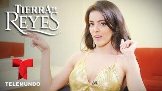 Tierra de Reyes | Tips de seducción de Patricia Rubio | Telemundo