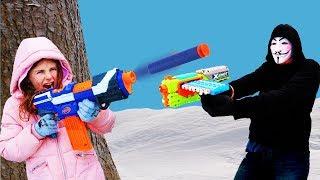 Epic PROJECT ZORGO Batlle Royale NERF BATTLE In The Snow! NERF Vs XSHOT