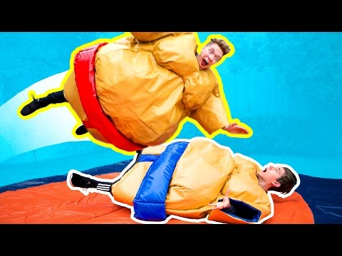 THE GYMNASTICS CHALLENGE in GIANT SUMO SUITS Funny Family Try Fantastic Gymnastics Battle Challenge