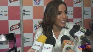 Anitta dá show de sensualidade no Fest Verão