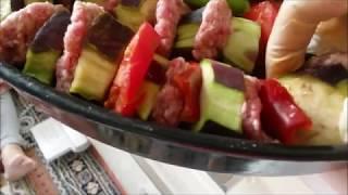 Patlıcan Kebabı Tarifi / En Güzel Ev Yemekleri / Fırında köfteli patlıcan kebabı