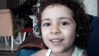Gabriella de 4 anos cantando com Luan Santana ! (Amar não é Pecado)
