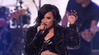 Alanis Morissette & Demi Lovato  - You Oughta Know (Live AMAs 2015)