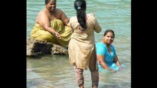 spicy aunty bathing hot videos 9