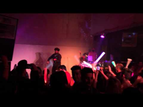 Violinder live at Nonstop Bhangra 107 in SF