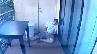 Trapped+on+a+Balcony+Prank