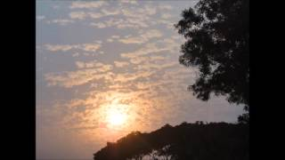 Aguner Poroshmoni - Hemanta Mukherjee (আগুনের পরশমণি ছোঁয়াও প্রাণে)