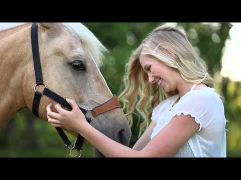 Amber Langerud Photography | A Girl & Her Horse | Country Photoshoot