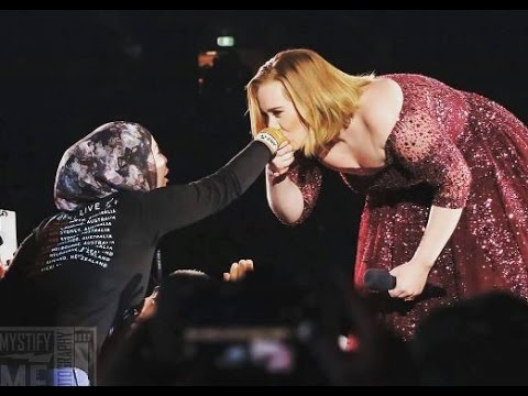 the beautiful Adele in a vide kisses a muslim girl's hand in a video !